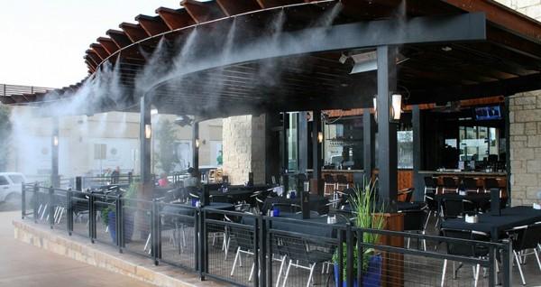 Охлаждение туманом для кафе
